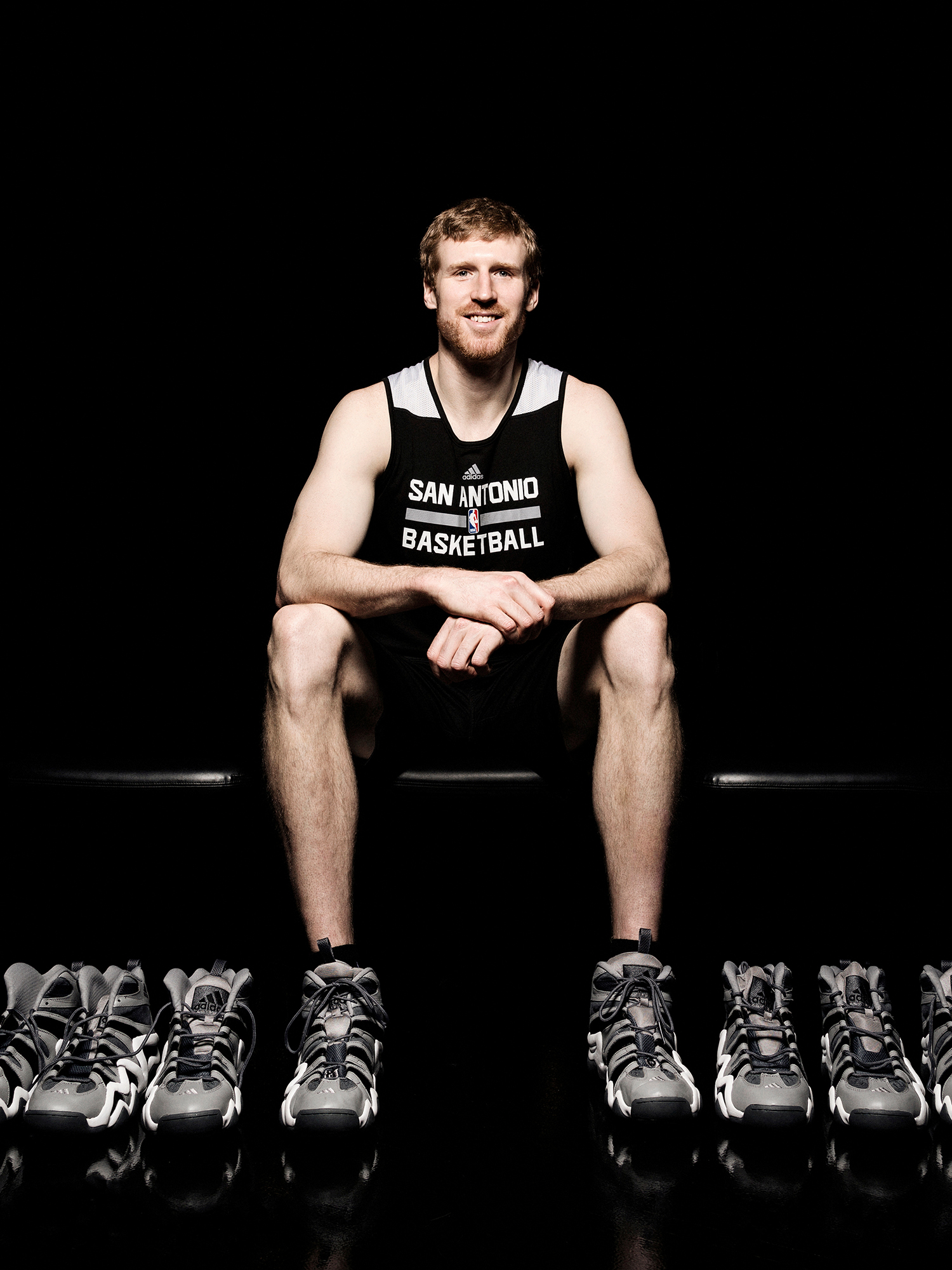 Matt Bonner, San Antonio Spurs NBA basketball player, photographed at the Spurs training facility in San Antonio, Texas for ESPN The Magazine by Houston sports photographer, Todd Spoth.